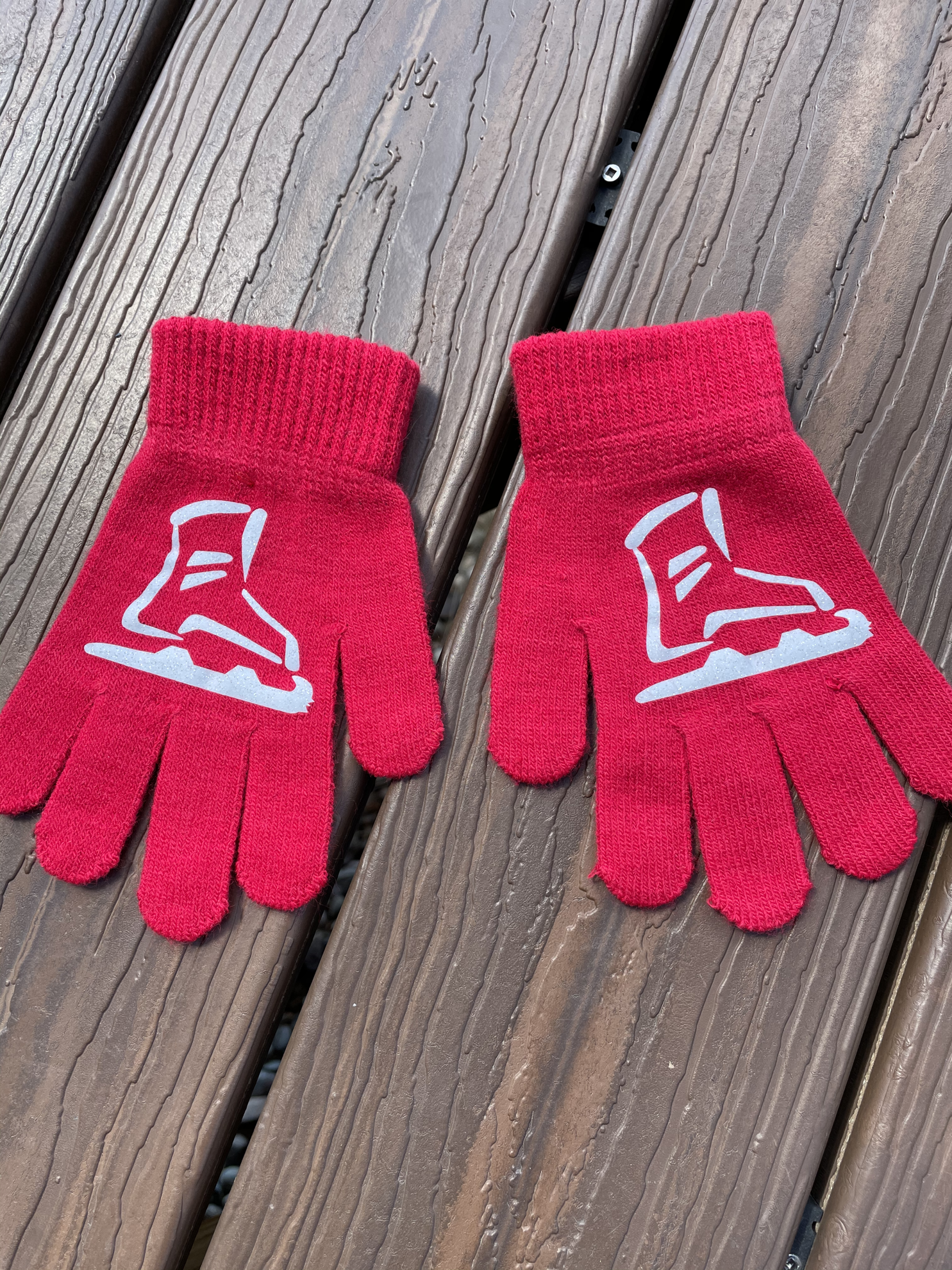 Picture of Red Skate Gloves